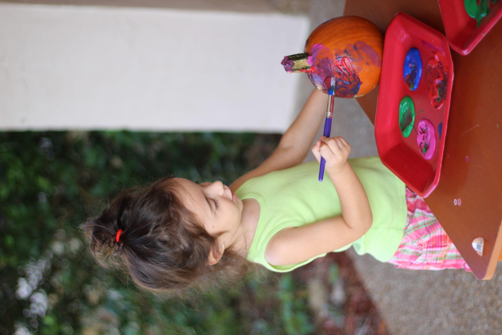 Toddler Crafts | Fall Pumpkin Painting Craft