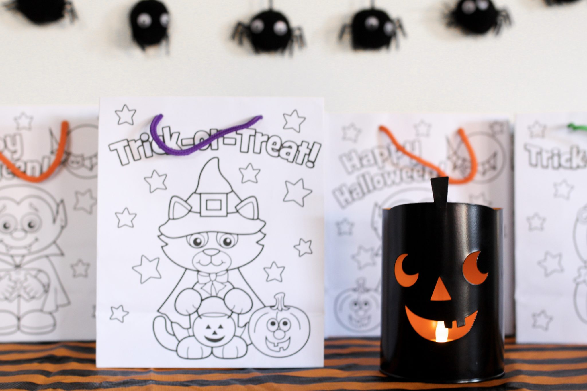 halloween treat bag ideas, what to put in halloween treat bags, treat bags for preschoolers, halloween favor bags, DIY halloween treat bags