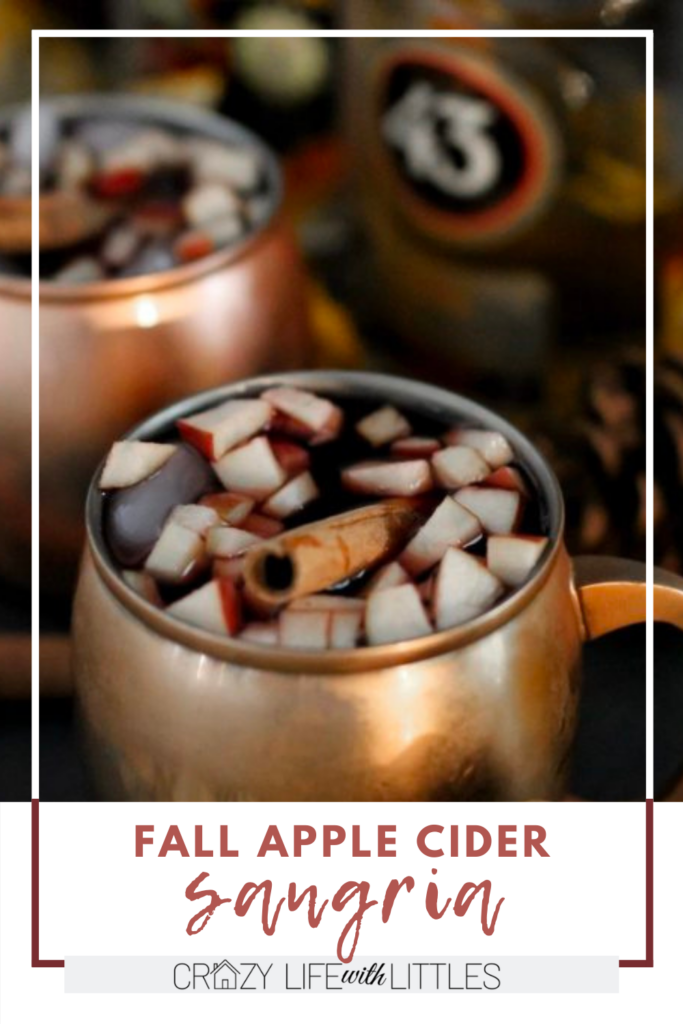 #sangria #fallrecipes Make your own fall apple cider sangria right at home with this easy and delicious recipe!