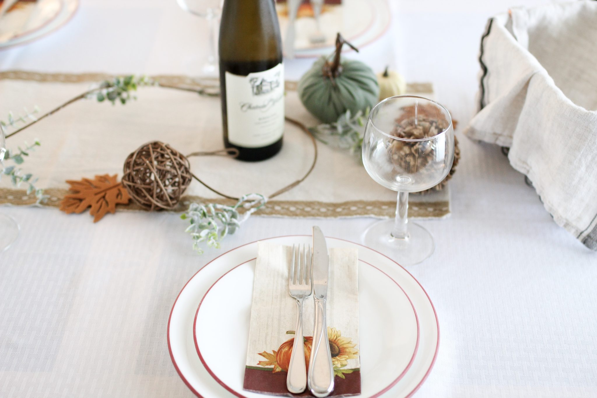 #holidaydecor holiday tablescape,holiday tablescapes pinterest,simple holiday tablescapes,holiday tablescape ideas,holiday table setting,holiday table setting ideas holiday table settings christmas,holiday table settings thanksgiving,christmas table setting with burlap