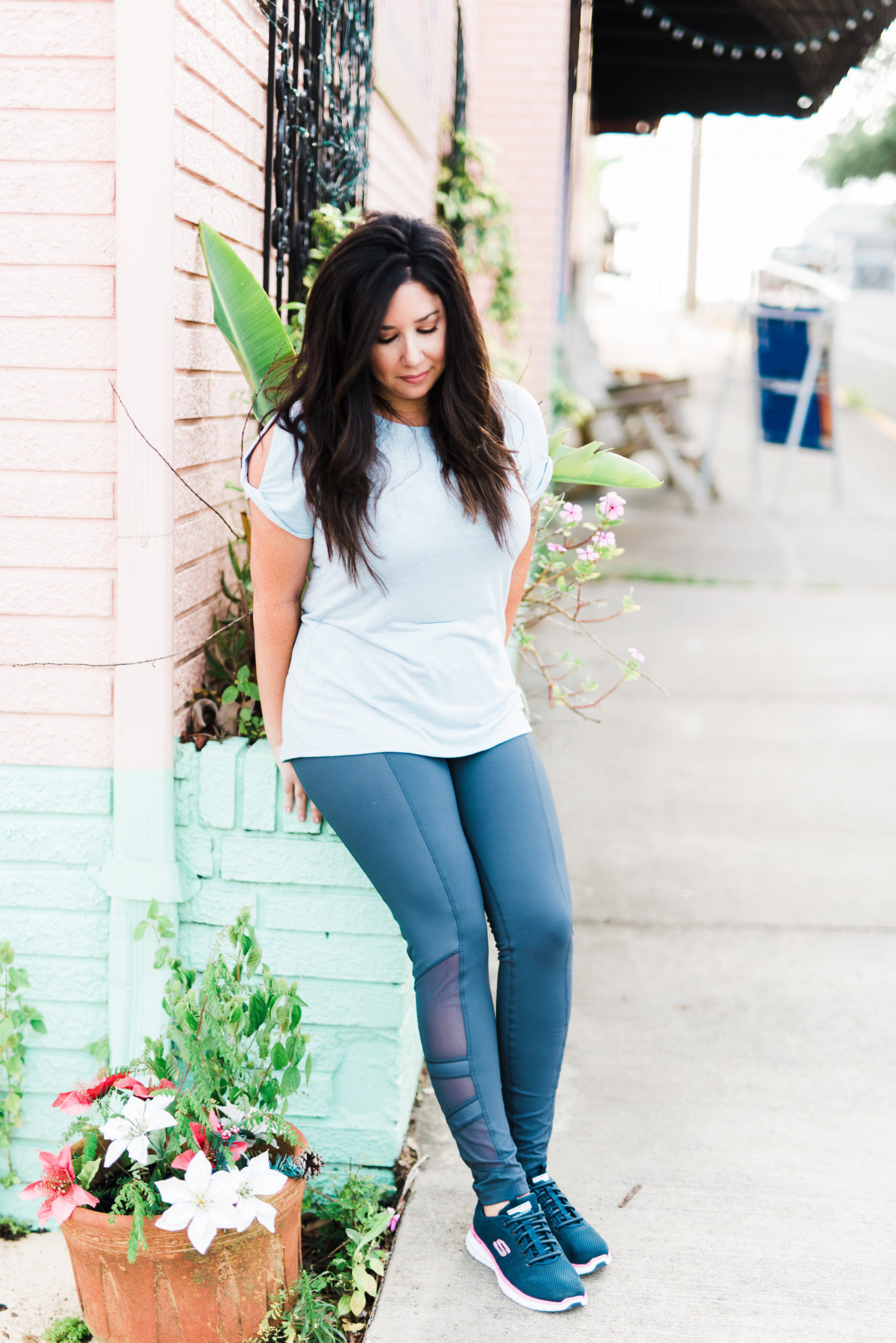 affordable athleisure weekend style for busy moms on the go
