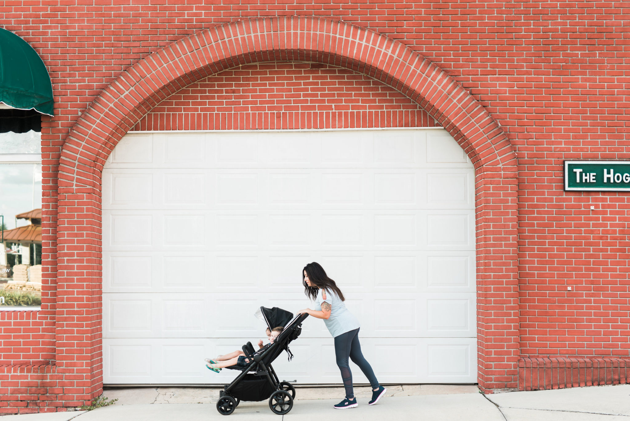 CREATIVE WAYS BUSY MOMS CAN STAY ACTIVE WITH KIDS