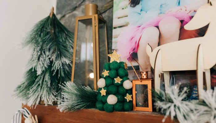 The Easiest DIY Farmhouse Christmas Decor
