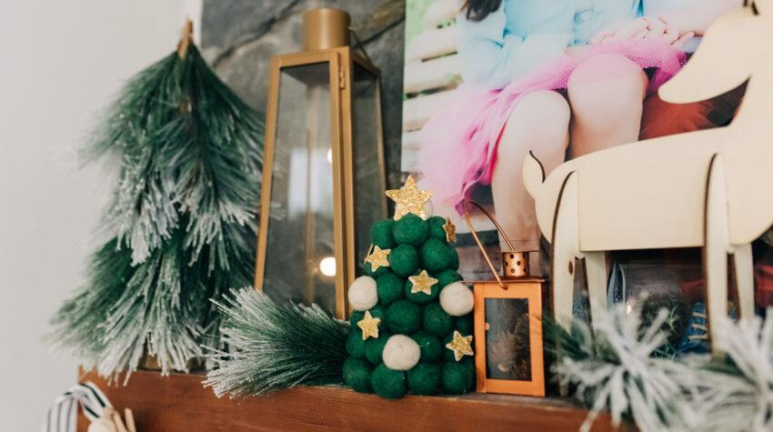 rustic farmhouse christmas mantel, diy holiday decor, oriental trading christmas decor crafts