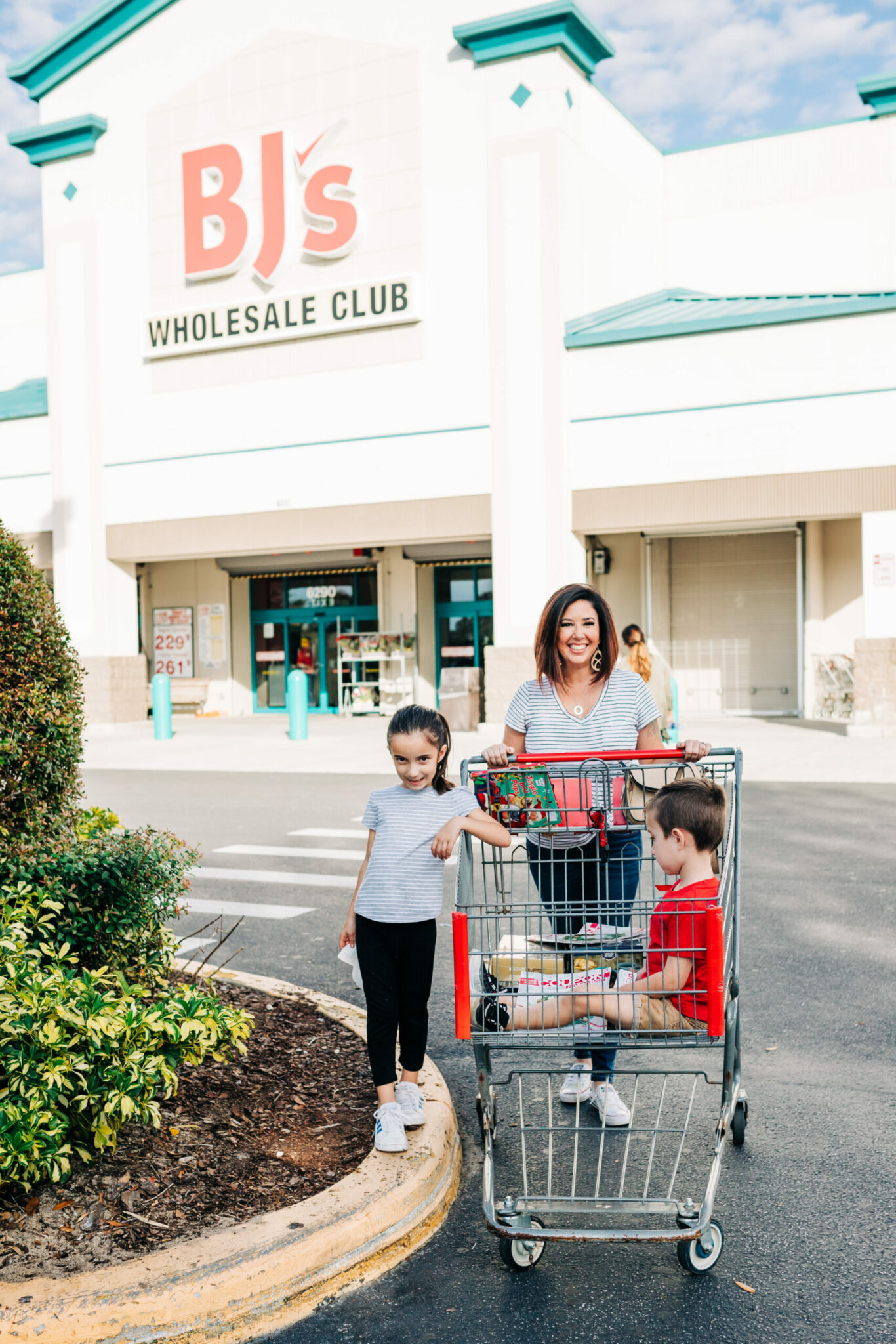 AD #BJsSmartSaver Holiday Host, Teacher + Co-Worker Gift Ideas from BJ's Wholesale