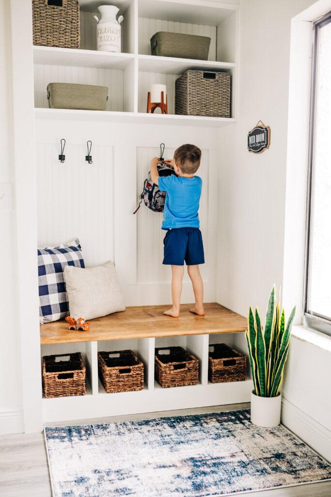 #bookshelfturnedbench #mudroom #diy Modern Farmhouse style budget friendly closet to mudroom makeover