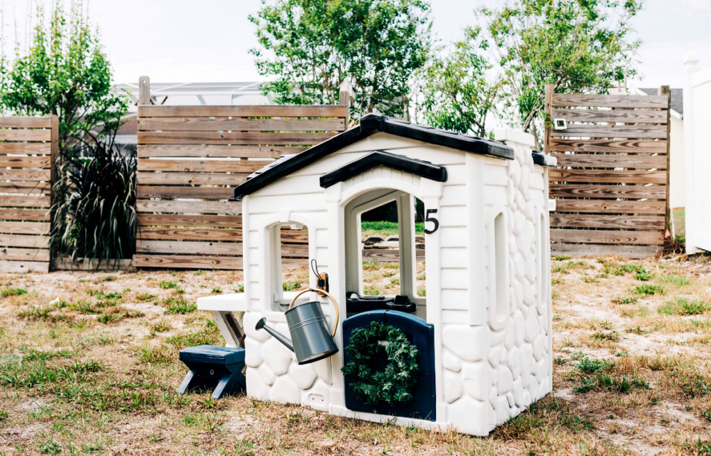 plastic playhouse before and after, how to makeover your outdoor playhouse, how to paint your outdoor plastic playhouse