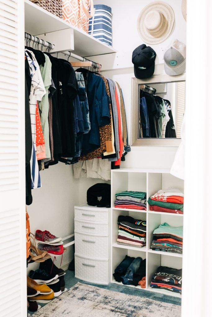 #closetorganization #smallcloset How to maximize your space in a small closet. Small closet organization tips.