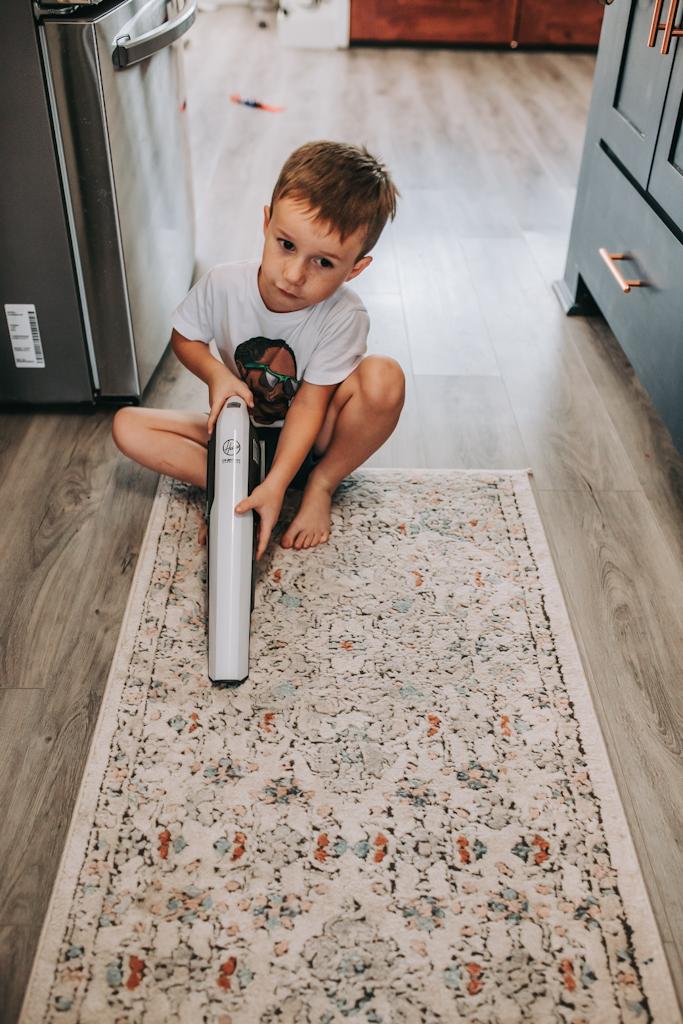 Hoover cordless stick vacuum, vacuum cleaner, lightweight cordless vacuum, best vacuum for pet hair