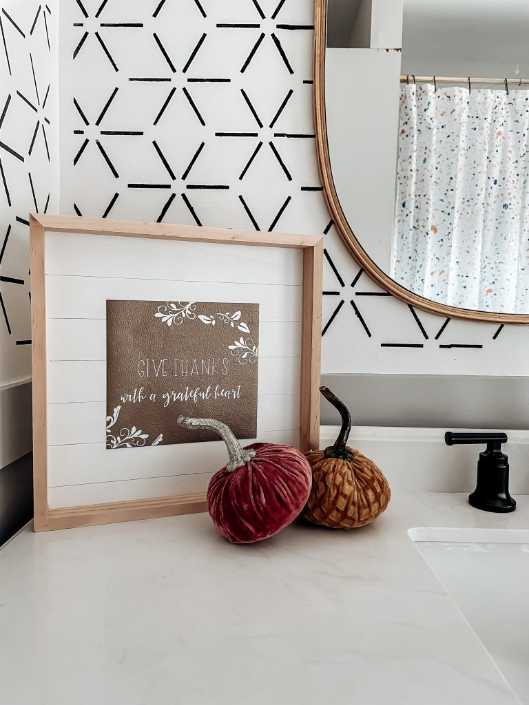 faux leather thankful sign for fall; diy home decor for fall; cricut home decor projects